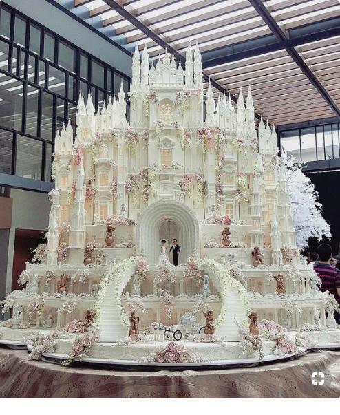 ogromny tort